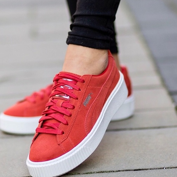 Red PUMA suede platform sneakers NEW IN BOX s 8 3a091cea8